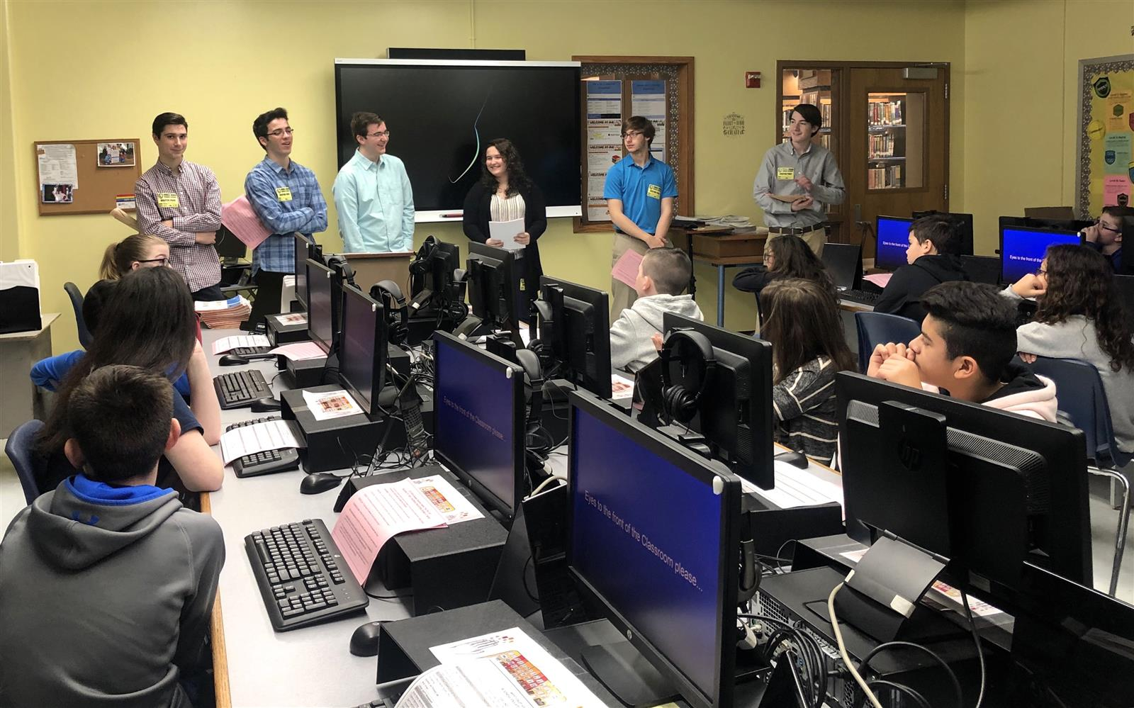 HS Students Visit Middle Schools to Share Passion for Business