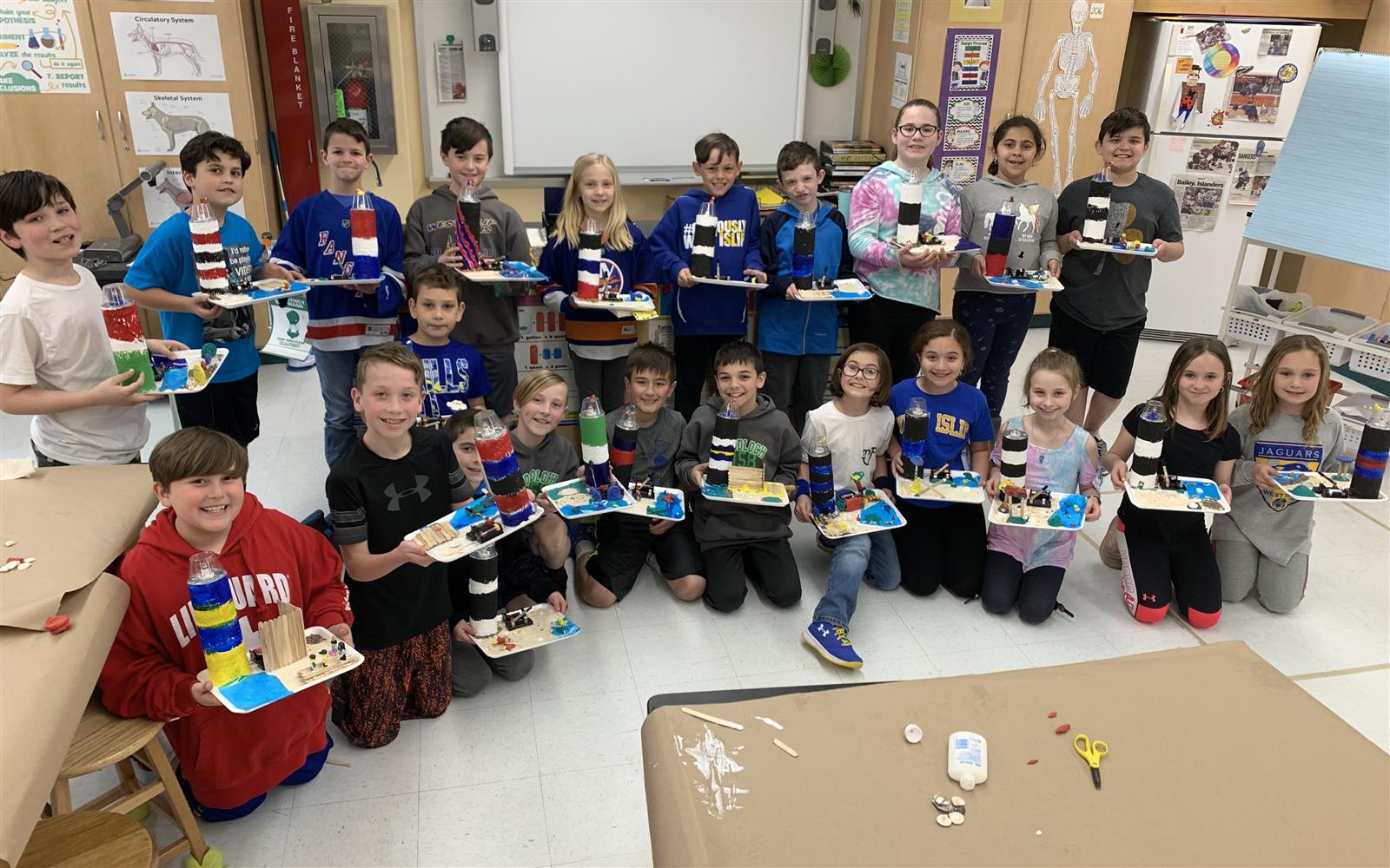 Oquenock Fourth Graders Work to Wire Up Lighthouses